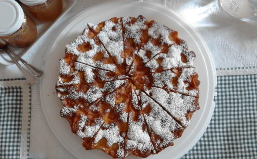 oggi a colazione all'Agriturismo Poggio Sassineri, abbiamo servito la torta di mele